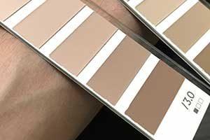 素肌の色は重要な基準になります